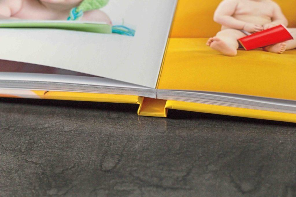 Blog IpsisPro como-fazer-um-fotolivro-2-1024x683 Da escolha do software até a impressão: 7 passos de como fazer um fotolivro