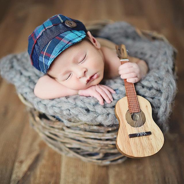 Blog IpsisPro violao-640x640 Ideias para ensaio newborn | Conheça fontes de inspiração para fazer fotos mais originais