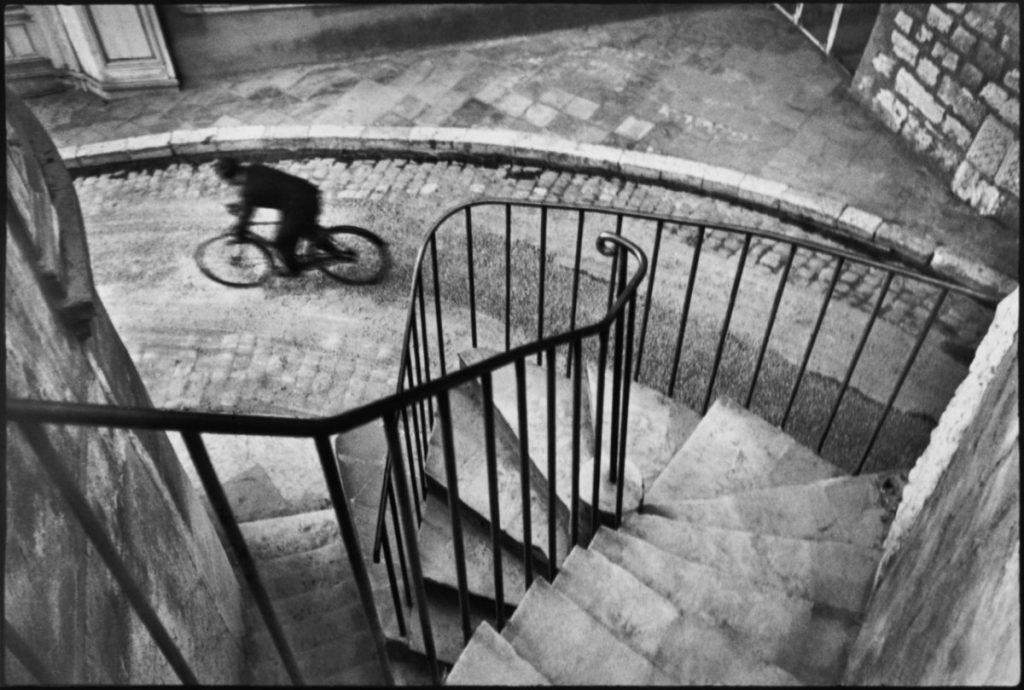 Blog IpsisPro bike-1024x690 Henri Cartier-Bresson [Grandes nomes da fotografia]